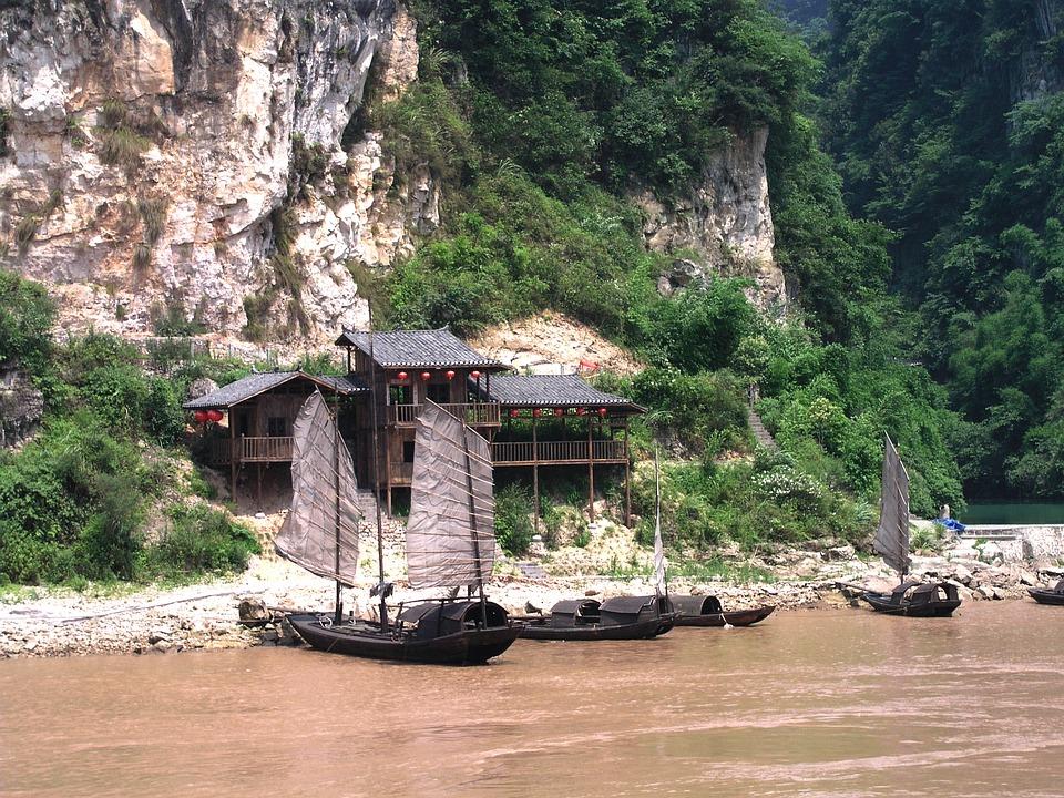 China Yangtze Reservoir Boats